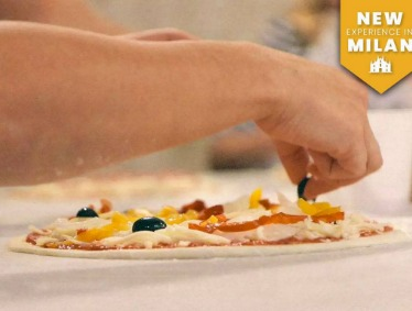 SMALL GROUP Gelato and Pizza making class in MILAN