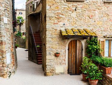 Day trips to Cortona, Lake Trasimeno and Montepulciano