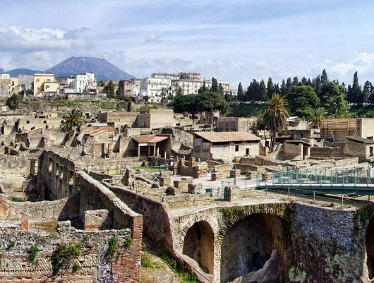 Pompeii and Herculaneum in a Small Group of 8