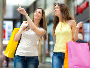 Shopping tours to Serravalle McArthur Outlet from Milan
